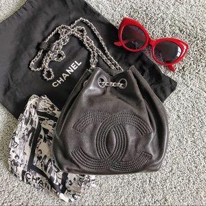 CHANEL backpack vint chain string bucket mini bag